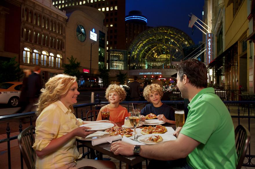 Top ten kid friendly restaurants in indy doing indy for Kid friendly restaurants